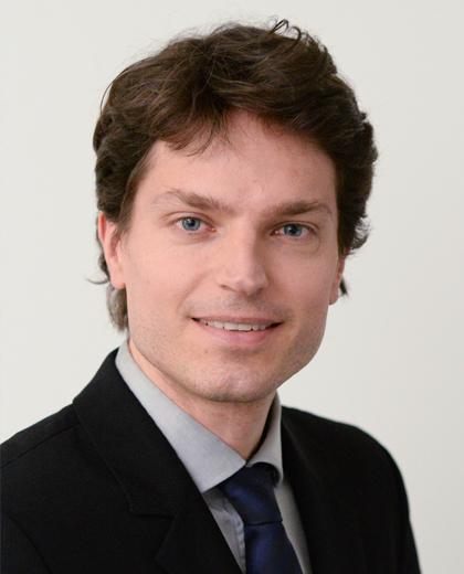 Porträtfoto von Prof. Dr. Enzo Weber