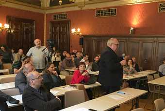 Teilnehmerinnen und Teilnehmer des Arbeitsmarktsymposiums in Prag.
