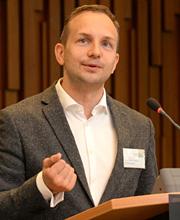 Alexander Tirpitz vom EO-Institut
