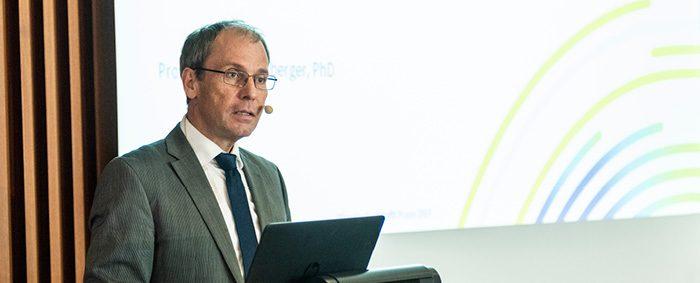 Prof. Dr. Bernd Fitzenberger ist Direktor des IAB.