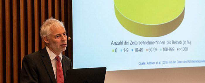 """Prof. Dr. Lutz Bellmann leitet den Forschungsbereich """"Betriebe und Beschäftigung"""" am IAB:"""