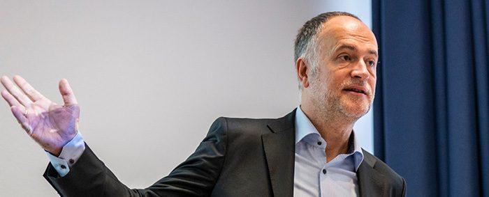 Dr. Andreas Lutz ist Vorstandsvorsitzender des Verbandes der Gründer und Selbständigen Deutschland.
