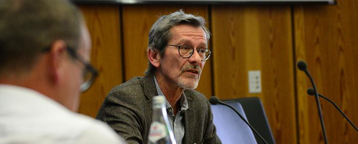 Matthias Gehricke von der Bundesagentur für Arbeit (BA) stellte die Statistik der gemeldeten offenen Stellen der BA vor