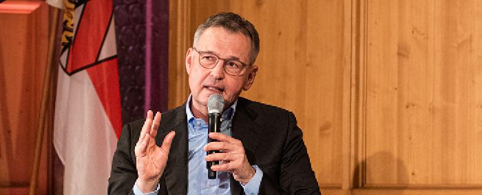 Dirk von Vopelius ist Unternehmer und Präsident der Industrie- und Handelskammer Nürnberg für Mittelfranken.