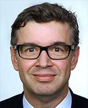 Portraitfoto Dr. Stefan Profit